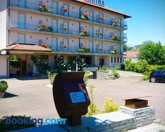 Hotel Marina - Viverone - Building