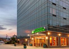 Wyndham Garden Long Island City - Queens - Building