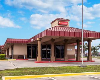Econo Lodge - Kingsville - Building
