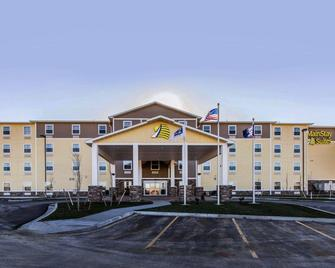 MainStay Suites Event Center - Watford City - Building