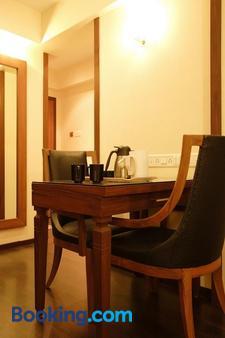 Hotel Amigo - Mumbai - Dining room