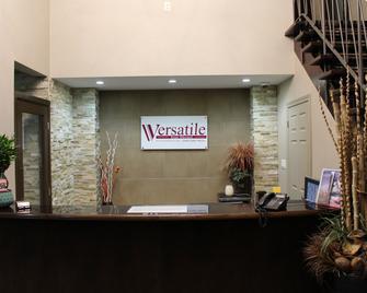 Versatile Inn Hotel - Sarnia - Front desk
