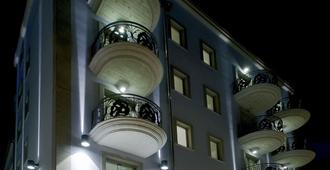 Hotel Victoria - Pescara - Gebouw