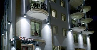 Victoria Hotel - Pescara - Building