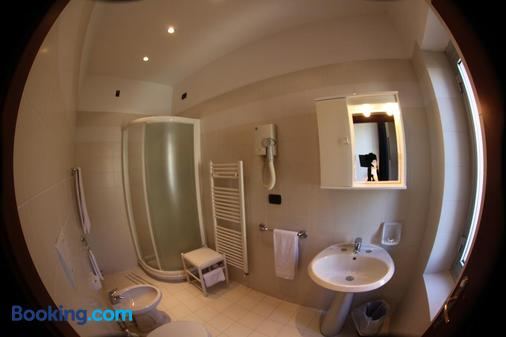 Hotel Stella - Rapallo - Bathroom