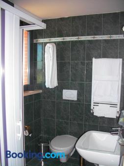 Hotel Cortese - Pomezia - Bathroom