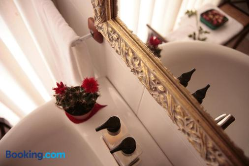 Hostal Antigua Morellana - Valencia - Bathroom