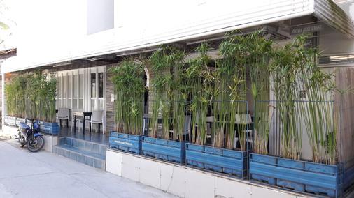 Mecasa Hotel - Boracay - Outdoor view