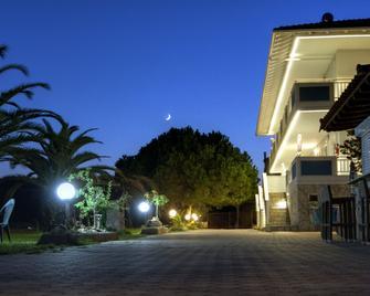 Sea View Apartment Hotel - Nea Poteidaia