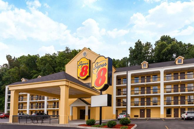 Super 8 by Wyndham Pigeon Forge-Emert St - Pigeon Forge - Building