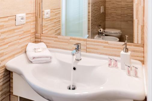 Onda Marina Rooms - Cagliari - Phòng tắm