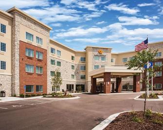 La Quinta Inn & Suites by Wyndham St. Paul-Woodbury - Woodbury - Building