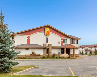Super 8 by Wyndham Bemidji MN - Bemidji - Building