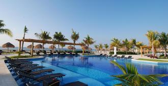 埃斯梅拉達藍灣大酒店 - 卡曼海灘 - 普拉亞卡門 - 游泳池