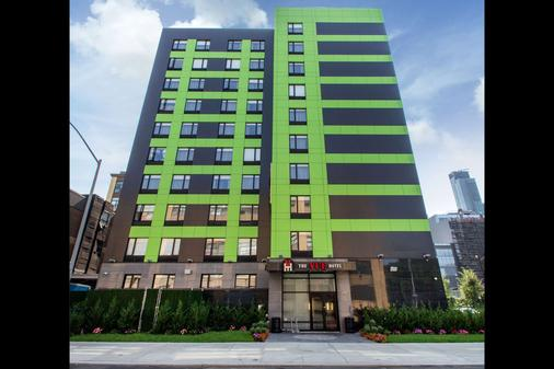 The Vue Hotel, an Ascend Hotel Collection Member - Queens - Building