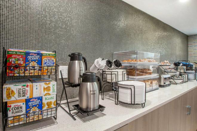The Vue Hotel Ascend Hotel Collection - Queens - Buffet
