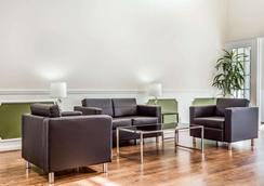 Quality Inn - Lancaster - Lounge