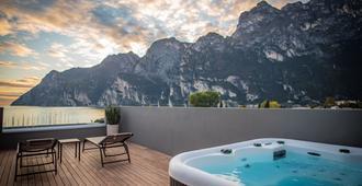 Hotel Villa Enrica - Riva del Garda - Balcony