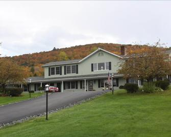 Braeside Lodging - Woodstock - Building