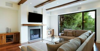 Upscale Large Townhouse In The Heart Of Century City - Los Angeles - Phòng khách