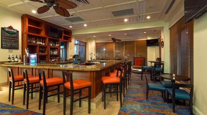 Hilton Garden Inn Orlando at SeaWorld - Orlando - Bar