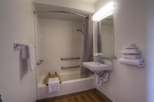 Motel 6 Orlando Winter Park - Orlando - Phòng tắm