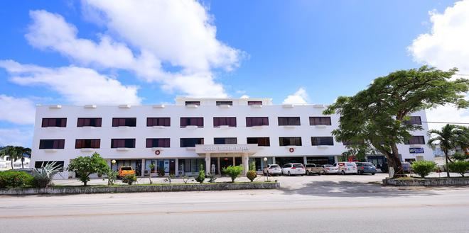 Gold Beach Hotel - Garapan - Building
