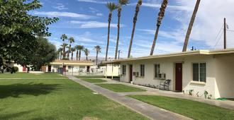 Western Sands Motel - Indio - Building
