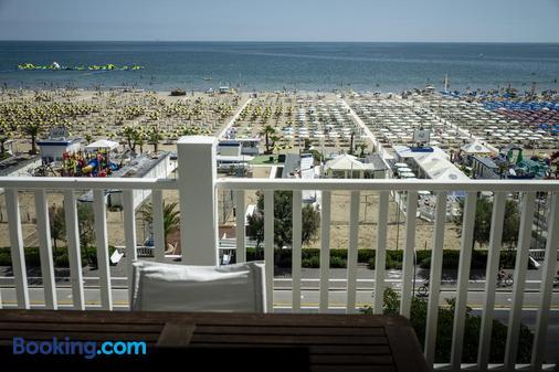Le Rose Suite Hotel - Rimini - Balcony