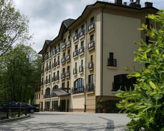 Hotel Elbrus Spa & Wellness - Szczyrk - Gebouw