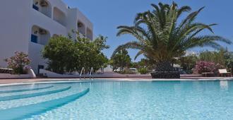 安尼摩米里洛斯公寓酒店 - 聖托里尼 - 伊亞 - 游泳池