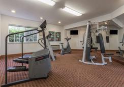 Ramada by Wyndham Portland - Portland - Gym