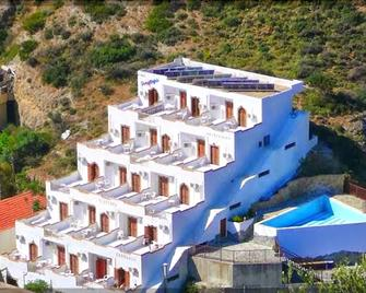 Sunlight Hotel - Agia Galini - Building