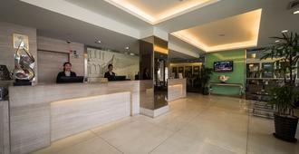 Hotel Sentral Georgetown - ג'ורג' טאון - דלפק קבלה