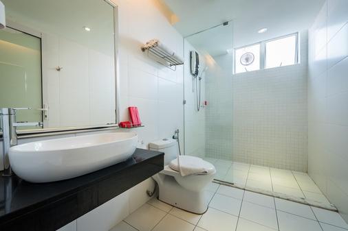 Hotel Sentral Georgetown - George Town - Bathroom