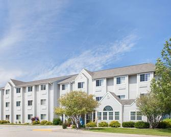 Microtel Inn & Suites by Wyndham Clear Lake - Clear Lake - Building