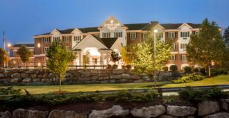 Country Inn & Suites by Radisson Manchester Air - Bedford