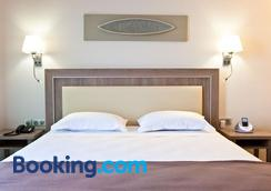 Hotel Villa Azur - Villeneuve-Loubet - Bedroom