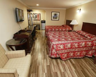 Sky Palm Motel - Orange - Bedroom