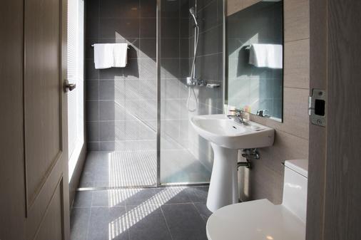 韋斯特凱世界杯飯店 - 西歸浦 - 浴室