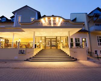 Hotel Dirsch Wellness & Spa Resort - Titting - Edificio