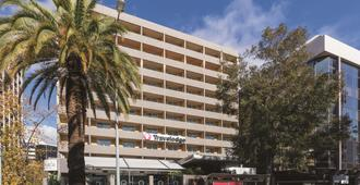 Travelodge Hotel Perth - Perth - Rakennus