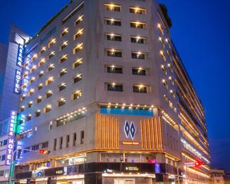 Twinstar Hotel - Taichung - Κτίριο