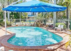 Silver Sands Apartments - Hervey Bay - Πισίνα