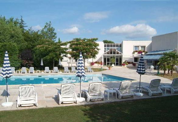 Inter-Hotel Beaune La Closerie - Beaune - Pool