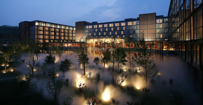 The Lakeview Hotel - Beijing - Building