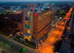 Sheraton Hyderabad Hotel - Hyderabad - Building