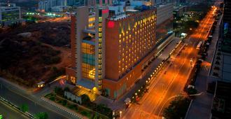 Sheraton Hyderabad Hotel - Hyderabad - Κτίριο