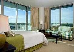 South Beach Biloxi Hotel & Suites - Biloxi - Bedroom