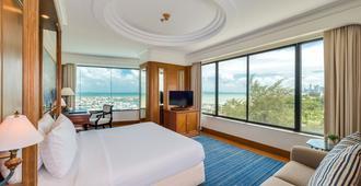 Ocean Marina Yacht Club - Trung tâm Pattaya